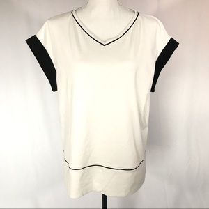 Lafayette 148 white/black v-neck knit top